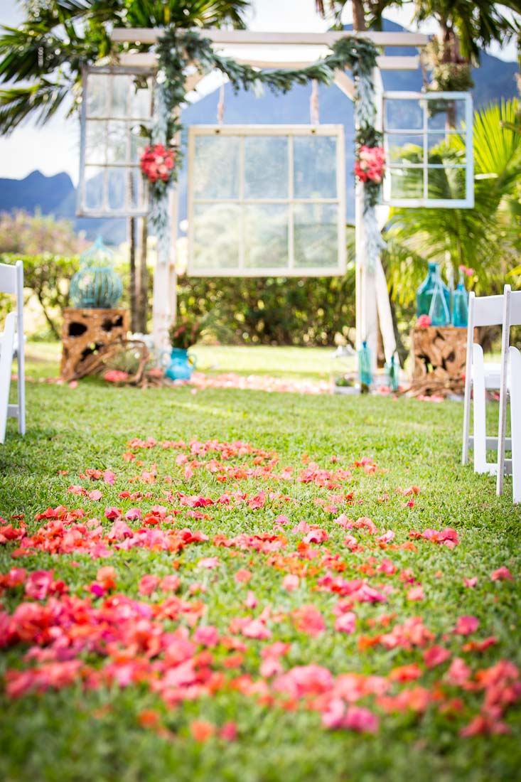 chelsea-heller-photography-weddings-tropical-rustic-arch